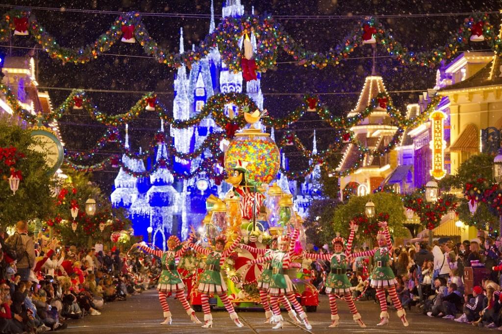 Christmas time Parade MK