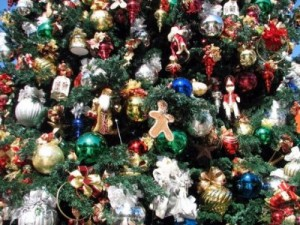 DL Christmas tree decorations rich