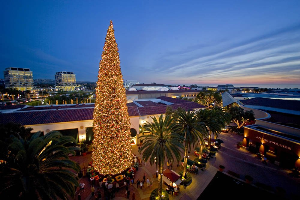 Fashion Island Christmas Tree Pin Xmas