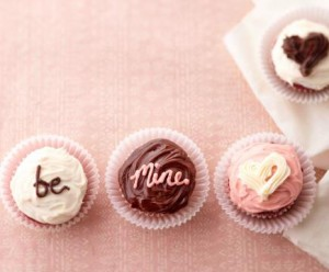 Miniature messages  Use mini cupcakes to spell out a special message.