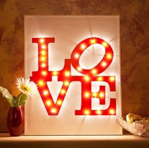 Valentine's Day Canvas DIY [
