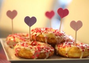 baked valentine's donuts