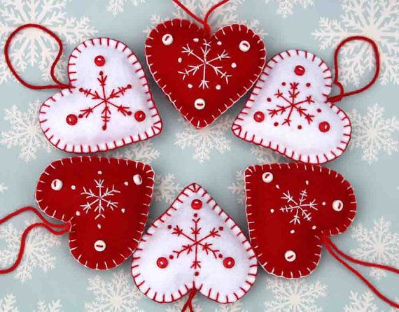 Christmas Felt Heart Ornaments set of 3 red by PuffinPatchwork