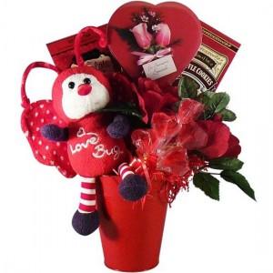 Love Bug Chocolate & Candy Gift Basket – Valentine's Day