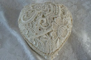 Valentine Gift Lace Covered Small Heart Box Ivory