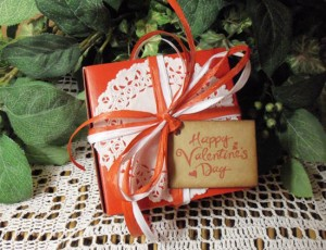 Valentine Gift Boxes Includes Gloss Red Boxes