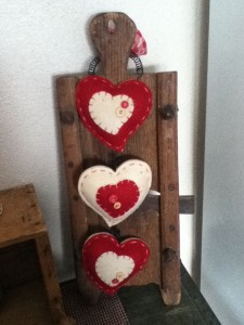 Primitive Valentine's Day Home Decor