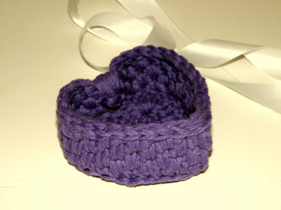 Valentine's Day Heart Gift / Basket, Small Purple Heart Shaped Storage Bowl For Candy or Jewelry