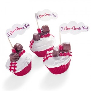 "Be My Valentine: ""I Choo-Choose You"" Cupcakes Need a treat for a school party? Get on board with these choo-choo cupcakes"