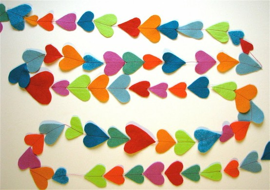 Channel your inner Martha Stewart and make your own heart garland! Cut colorful hearts out of felt, sew together, and accessorize your wall or mantel with love! Click here for instructions on this fun and easy project.