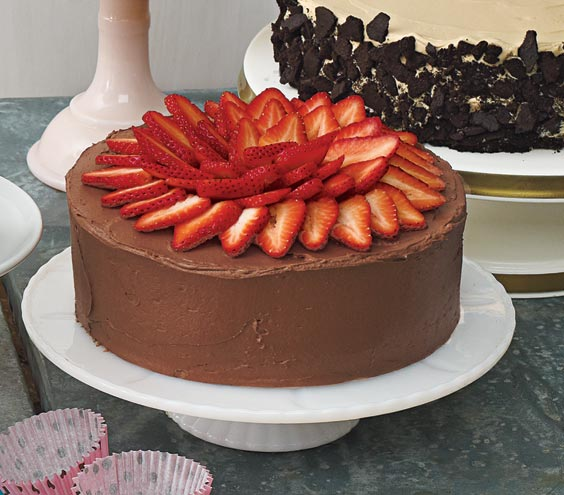Yellow Cake With Fresh Strawberry Filling, Chocolate Sour Cream Fr ...